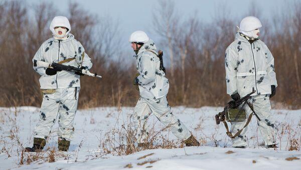 Příslušníci arktického seskupení vojsk - Sputnik Česká republika