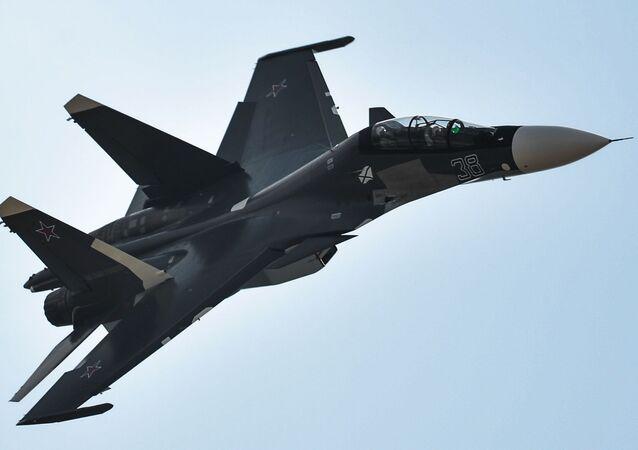 Víceúčelová dvoumístná stíhačka Su-30SM se považuje za jednu z nejlepších stíhaček na světě