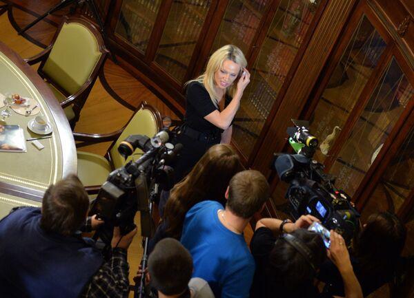 Pamela Andersonová v Moskvě - Sputnik Česká republika