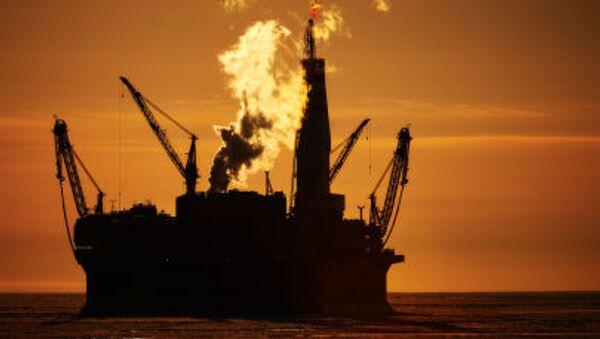 Mořská ropná těžební plošina Prirazlomnaja - Sputnik Česká republika