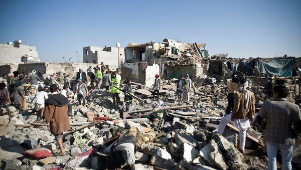 Patrání po obětech po leteckých útocích v Jemenu - Sputnik Česká republika