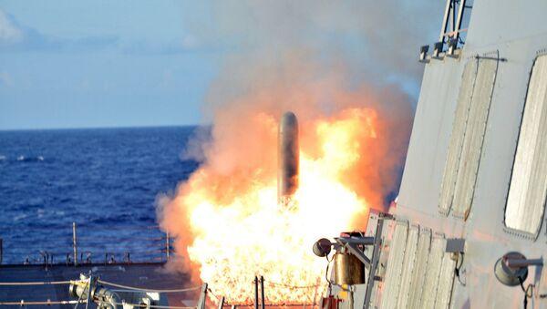 Start střely Tomahawk  z křižníků USS Lassern - Sputnik Česká republika