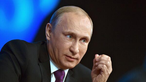 Prezident RF Vladimir Putin během velké tiskové konference - Sputnik Česká republika