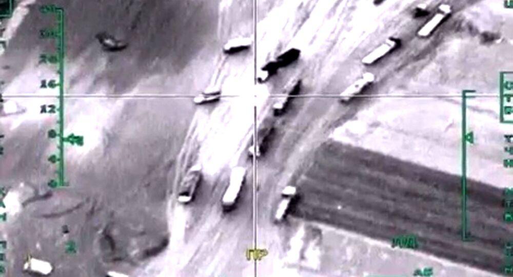 Útok ruského letectva na vozidla s ropou v Sýrii