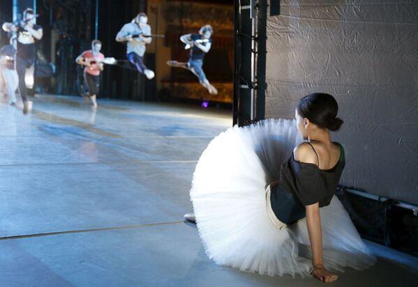 V zákulisí baletu Louskáček v Michajlovském divadle v Petrohradu - Sputnik Česká republika