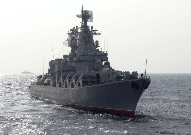 Prohlídka gardového křižníku Moskva