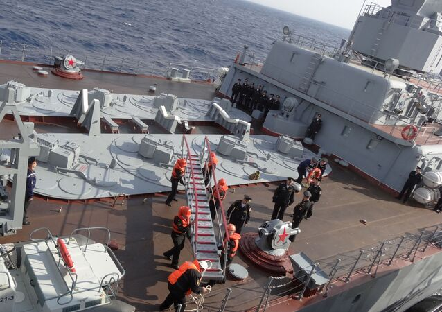 Asi měsíc už zajišťuje krytí oblasti působení ruské letecké skupiny. Do sestavy flotily, která plní tento úkol, spadá ještě 11 dalších lodí