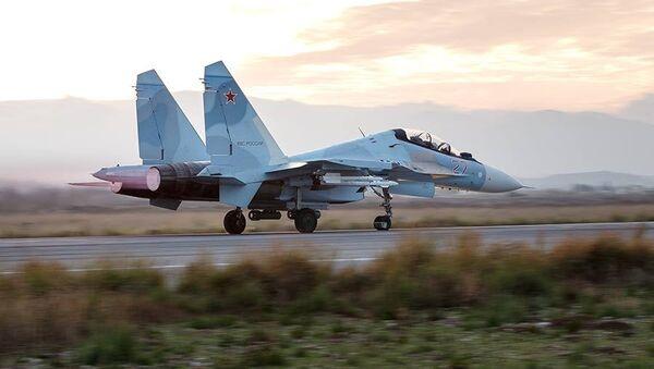 Stíhačka Su-30SM v Sýrii - Sputnik Česká republika