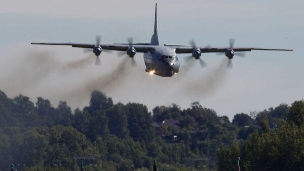 Vojenský transportní letoun An-12 - Sputnik Česká republika
