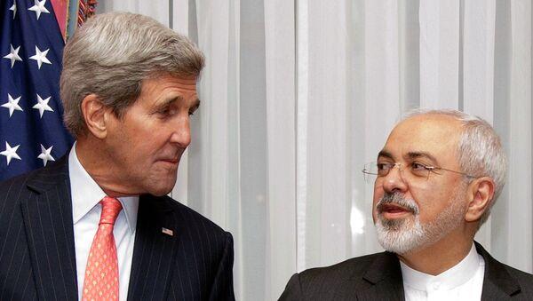 Ministr zahraničí USA John Kerry a íránský ministr zahraničí Mohammad Džavád Zaríf - Sputnik Česká republika