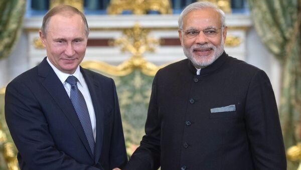 Ruský prezident Vladimir Putin a premiér Indie Nárendra Módí - Sputnik Česká republika