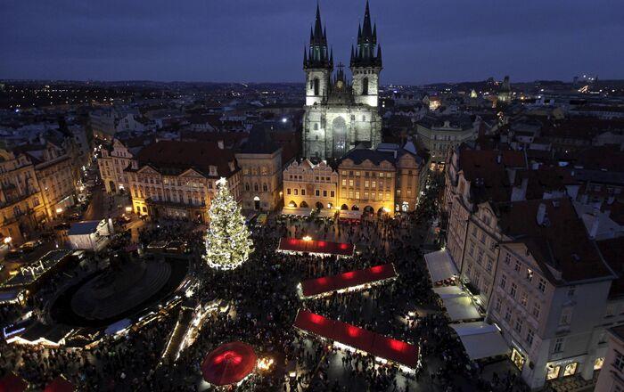 Vánoční Staroměstské náměstí v Praze v roce 2015. Ilustrační foto