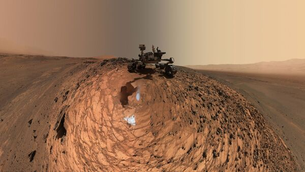 Marťanské vozítko Curiosity - Sputnik Česká republika