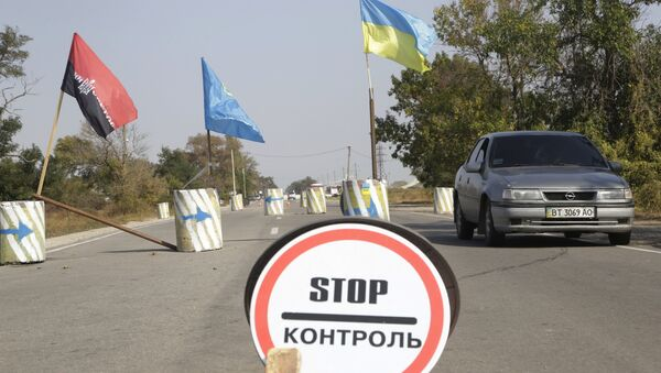 Hraniční přechod mezi Ukrajinou a Krymem - Sputnik Česká republika