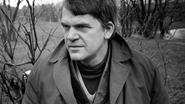 Český spisovatel Milan Kundera v roce 1973 v Praze - Sputnik Česká republika