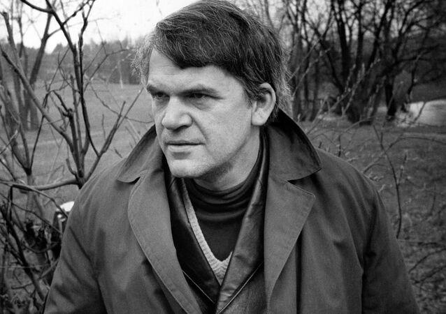 Český spisovatel Milan Kundera v roce 1973 v Praze