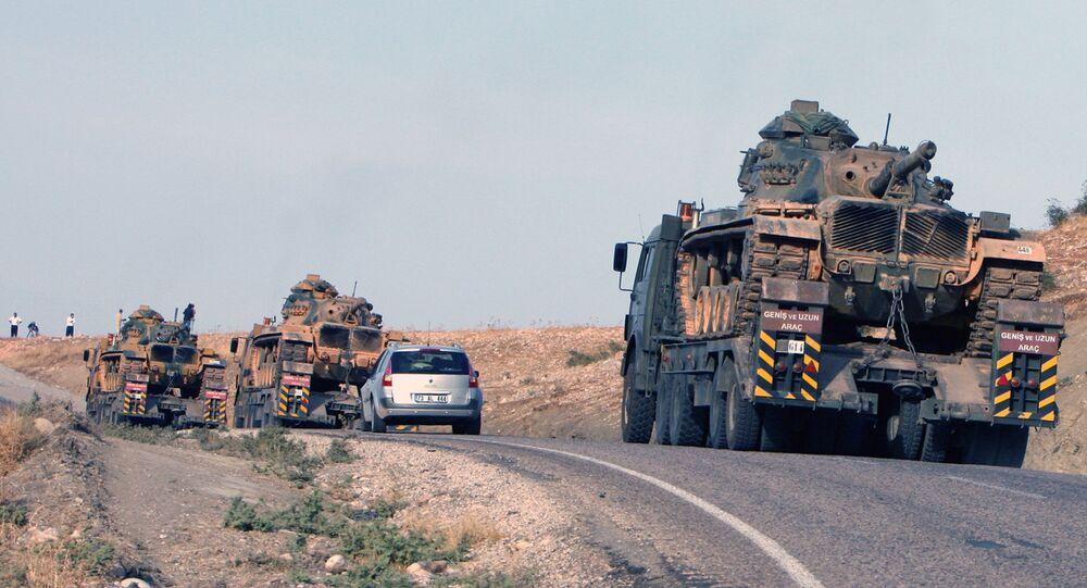 Turecké tanky na turecko-iracké hranici