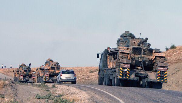 Turecké tanky na turecko-iracké hranici - Sputnik Česká republika