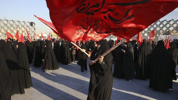 Protestní akce věnované popravě 47 lidí v Saudské Arábii, mezi nimiž byl známý šiitský duchovní Nimr Bákir Nimr, Teherán, 4. ledna - Sputnik Česká republika