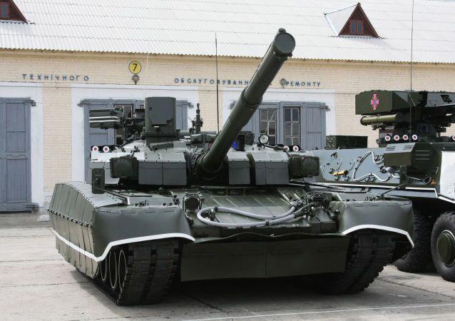 Ukrajinský tank T-84 Oplot