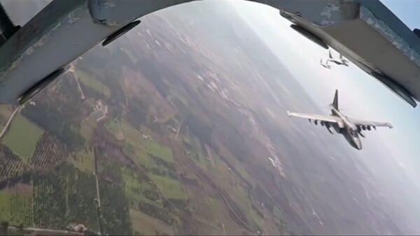 Společný bojový let ruských Su-25 a syrských MiG-29 v Sýrii - Sputnik Česká republika