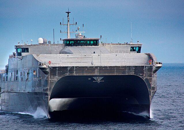 Rychlá expediční loď-katamarán (Expeditionary Fast Transport, EPF)