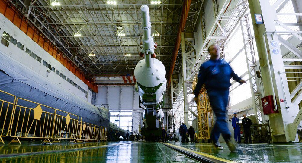 Montáž rakety Sojuz-FG