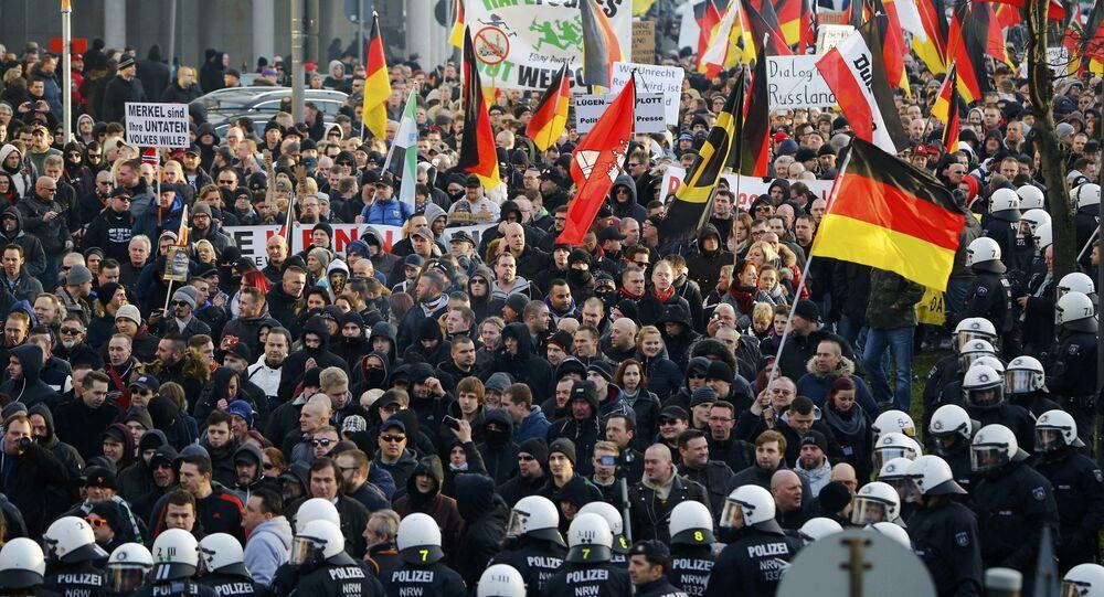 Demonstrace hnutí PEGIDA v Kolíně