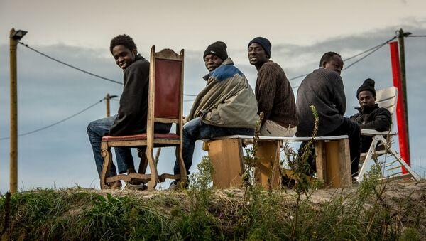 Migranti ve Francii - Sputnik Česká republika