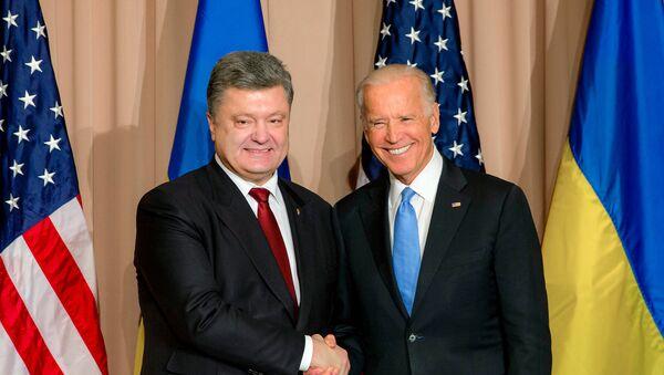Petro Porošenko a Joe Biden - Sputnik Česká republika