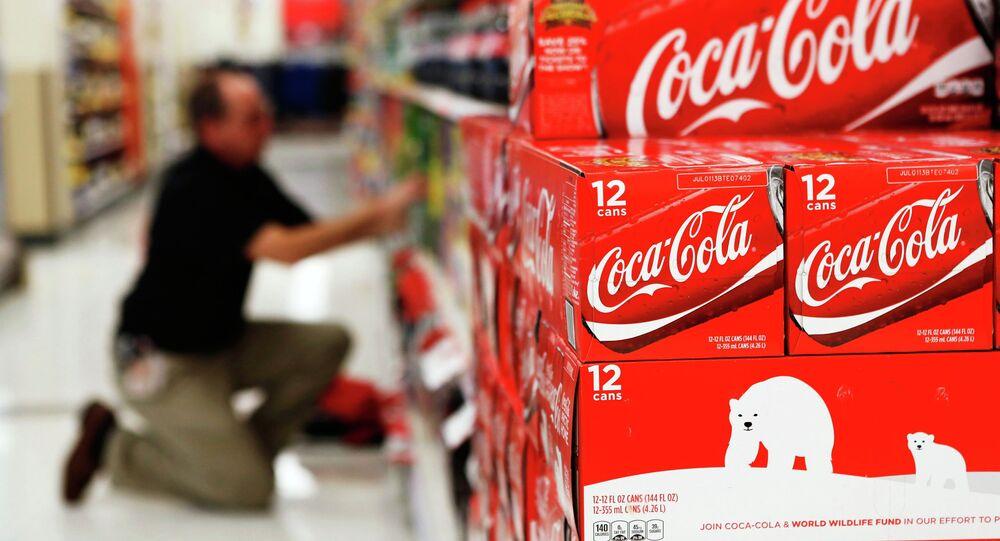Krabice Coca-Coly. Ilustrační foto