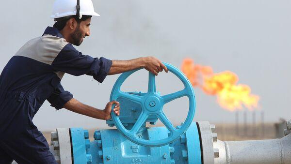Těžba ropy v Iráku - Sputnik Česká republika