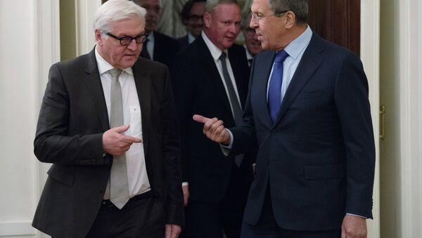 Frank-Walter Steinmeier a Sergej Lavrov - Sputnik Česká republika