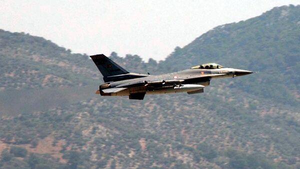 Stíhačka F-16 tureckého letectva - Sputnik Česká republika