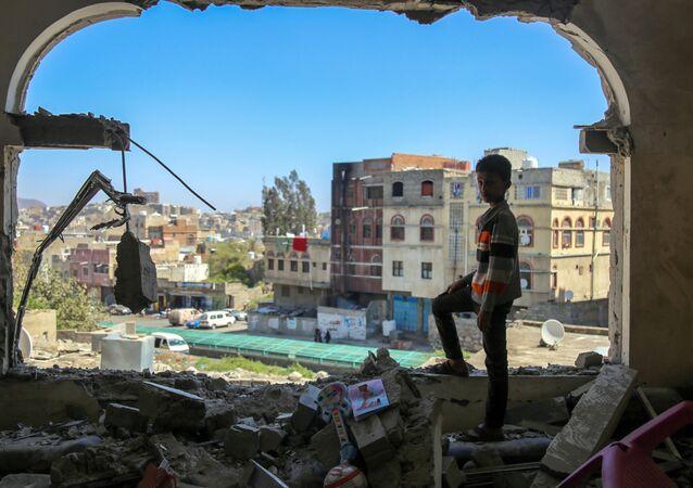 Následky ostřelování v Jemenu