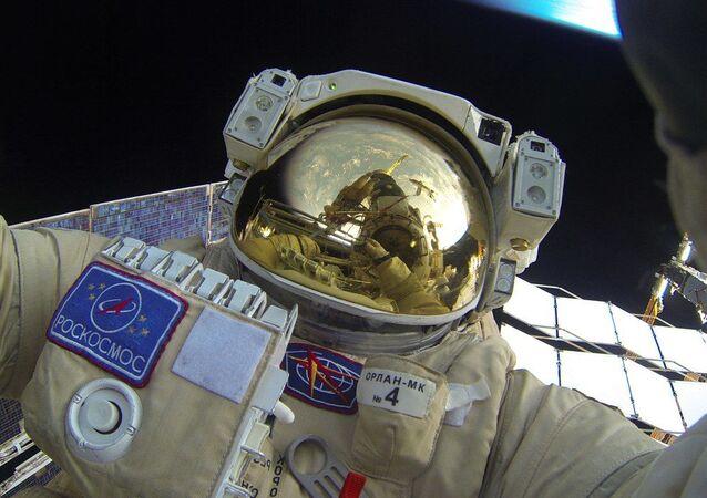 Výstup ruských kosmonautů do volného kosmu