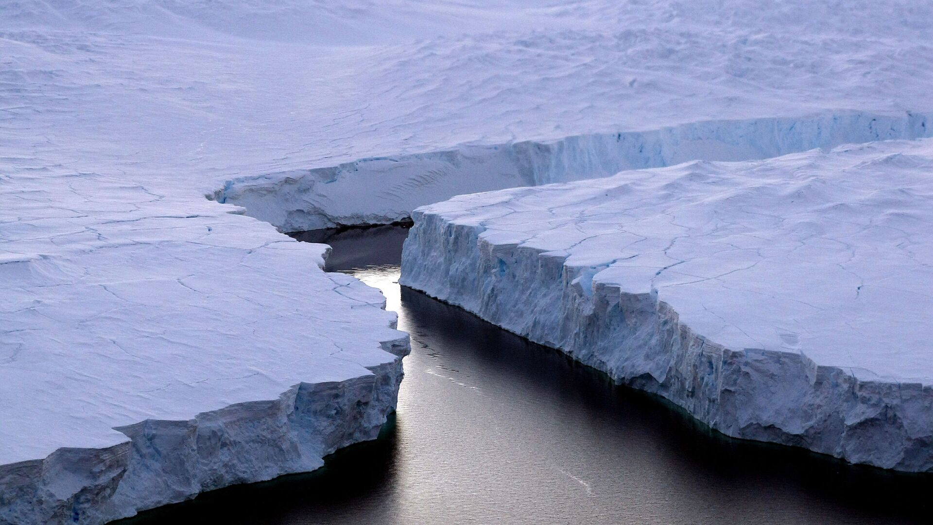 Ledovce v Antarktidě - Sputnik Česká republika, 1920, 19.05.2021