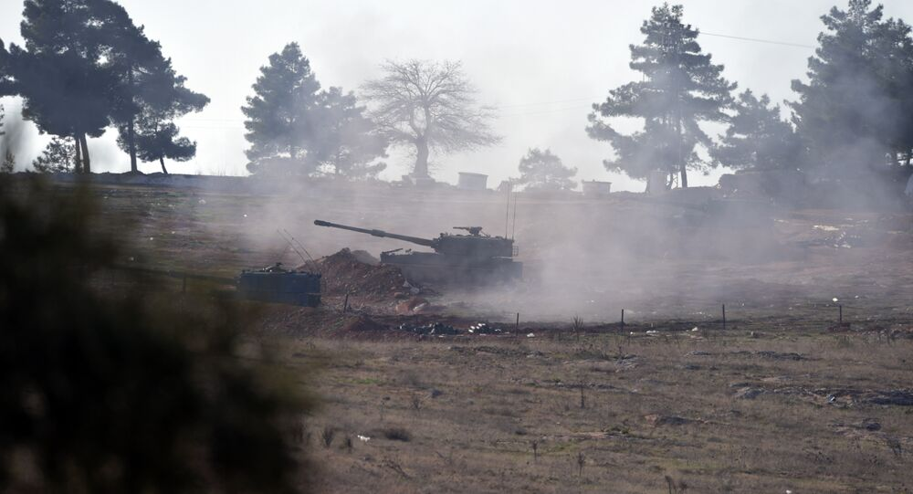 Turecké dělostřelectvo u syrské hranici, 15. února 2016