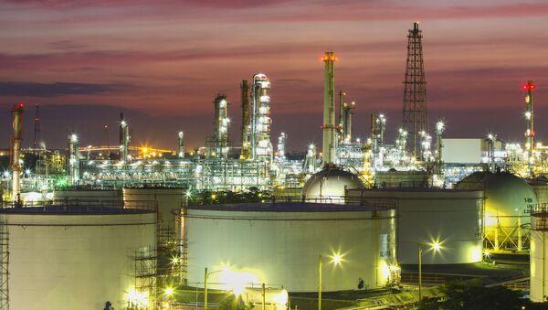 Závod na zpracování ropy - Sputnik Česká republika
