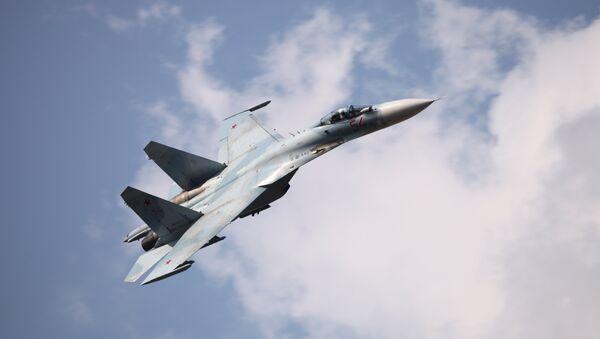 Ruská stíhačka Su-27 - Sputnik Česká republika