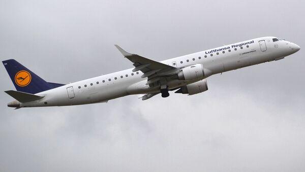 Letadlo Embraer 195 letecké společnosti Lufthansa - Sputnik Česká republika