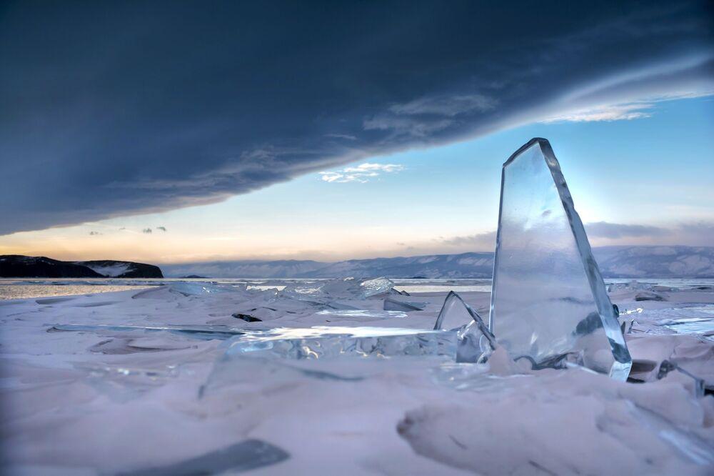 Krása zamrzlého Bajkalu