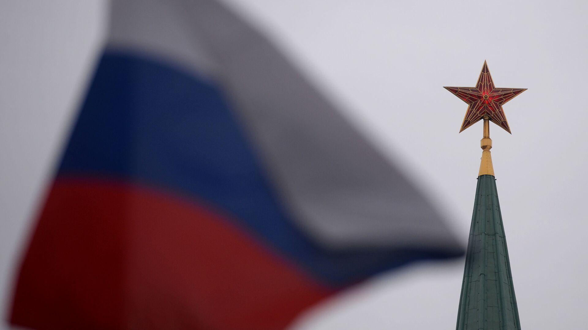 Ruská vlajka a Kreml - Sputnik Česká republika, 1920, 08.05.2021