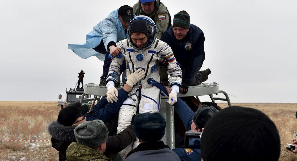 Kosmonauti se vrátili na Zemi