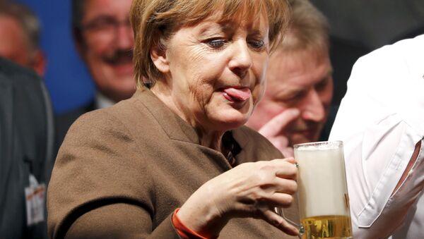 Politici a pivo - Sputnik Česká republika