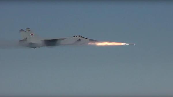 Záchytné stíhačky MiG-31 nad Sibiří - Sputnik Česká republika