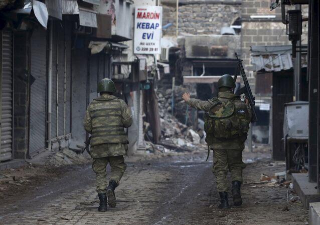 Turečtí vojáci, Diyarbakir