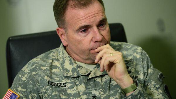 Velitel pozemních sil USA v Evropě generálporučík Frederick Ben Hodges - Sputnik Česká republika