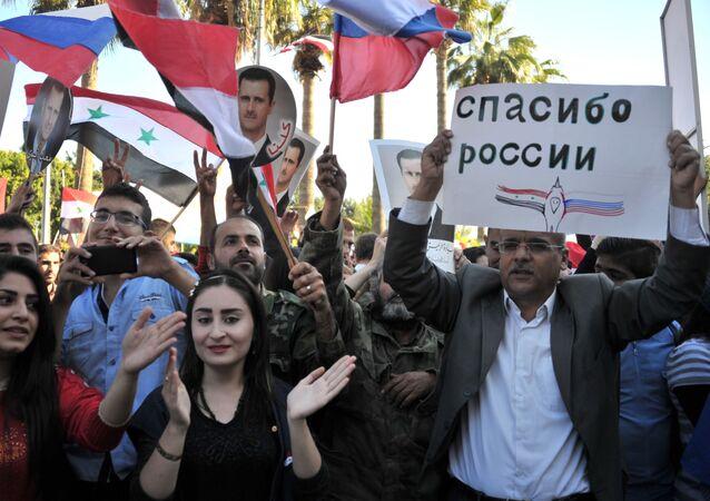 Mítink na podporu operace ruského letectva v Tartusu