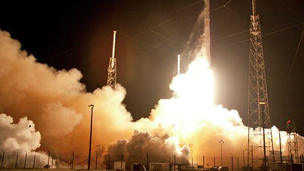 Falcon 9 - Sputnik Česká republika
